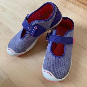 Plae mary jane shoes